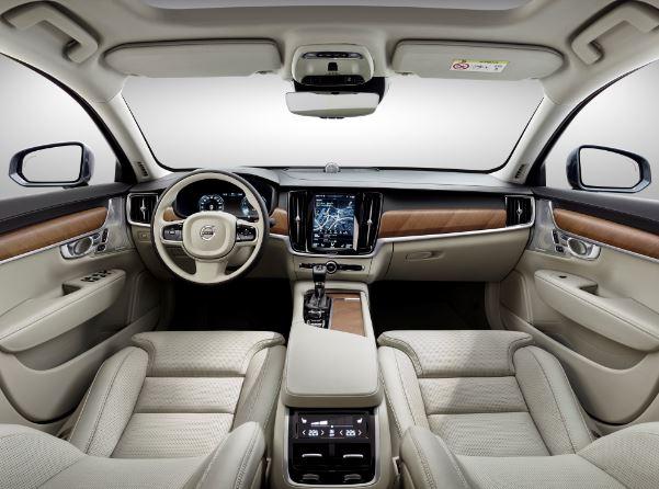 2017 Volvo XC90 T6 Interior