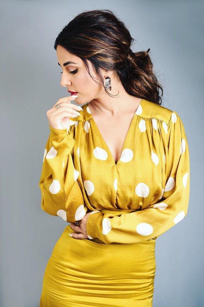 Bollywood Actress HinaKhan HotPhotos MakeUp BeautyTips Fashion WallPapers Biography Wikipedia MoviesList VideoSongs Photoshoots