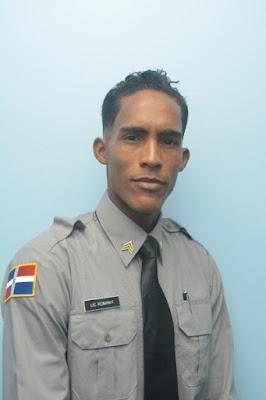 Un policía dominicano gana el Premio Nacional de Poesía Joven