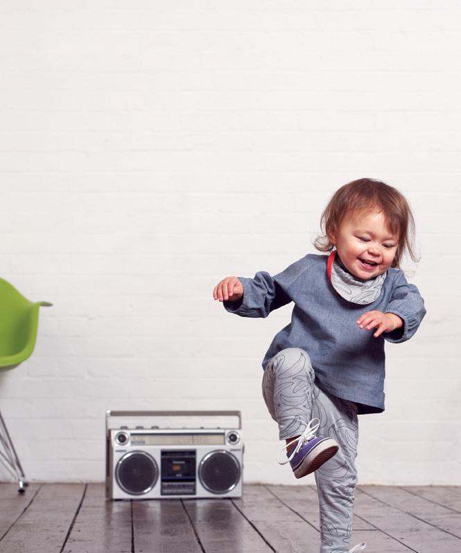 Ha a rádióban zenét hallasz, azt élőben énekli a zenész