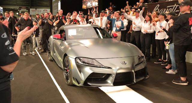 トヨタの新型「スープラ」第一号車がオークションで2億3000万円で落札!