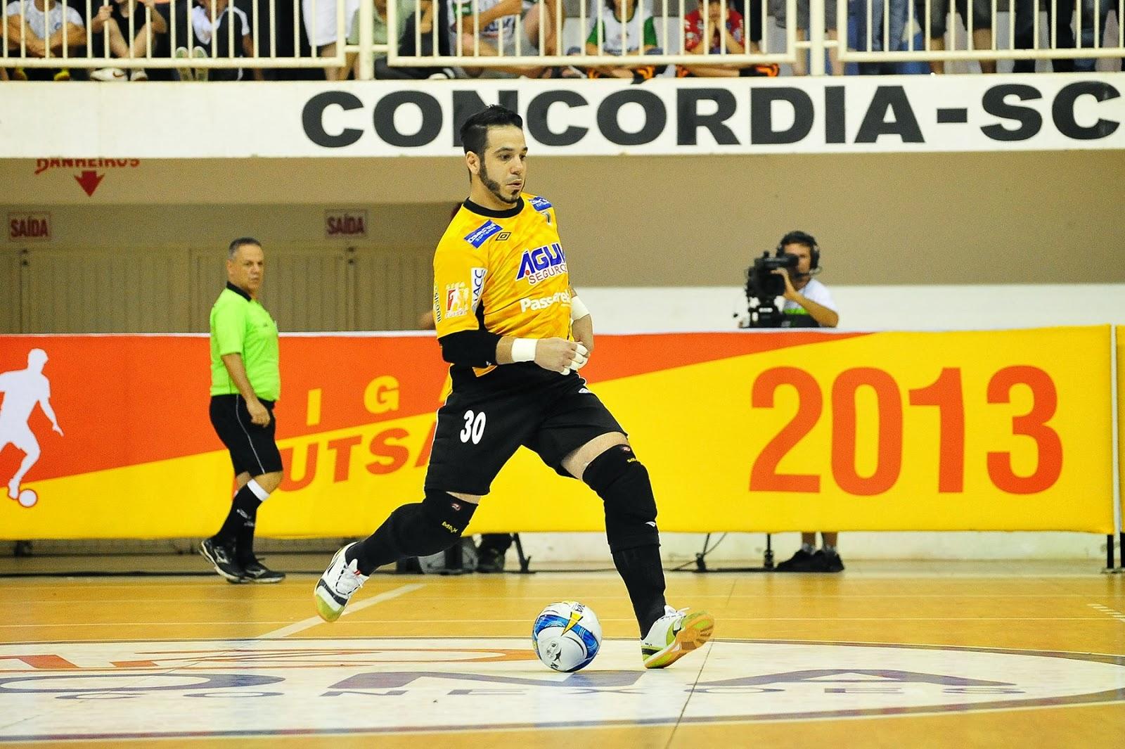 O goleiro do Concórdia foi um dos grandes pilares da equipe catarinense na  conquista do vice-campeonato da Liga. Gian é relativamente jovem d7a3441349f1f