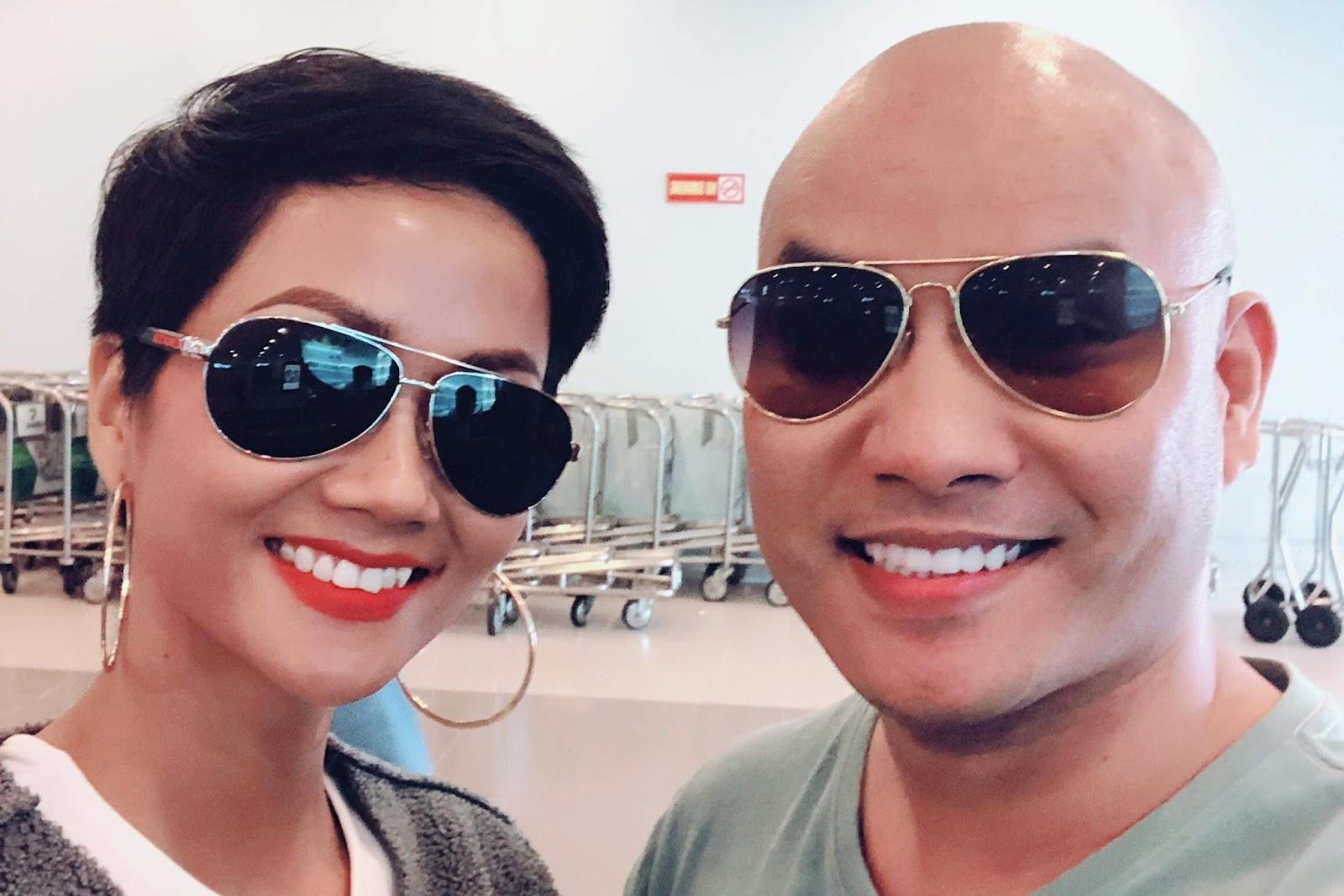 """""""Ông trùm mạng xã hội"""" A Tuân cùng đương kim Hoa hậu Hoàn vũ đổ bộ Quảng  Bình."""