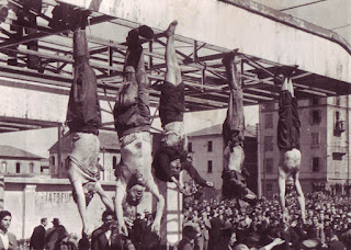 Photo of bodies of Mussolini, Petacci and others
