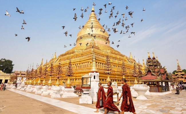 Xvlor.com Shwezigon Pagoda is Theravada Buddhism temple built by King Anawrahta