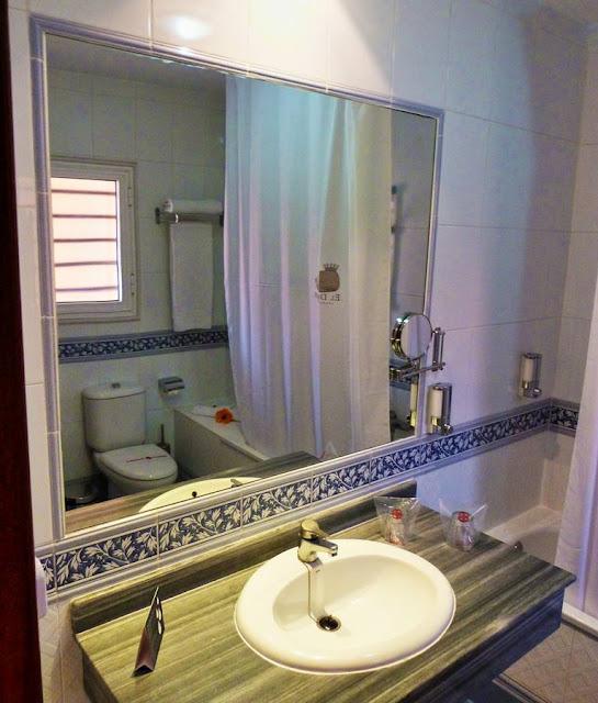 Badezimmer - Aparthotel El Duque Teneriffa Costa Adeje