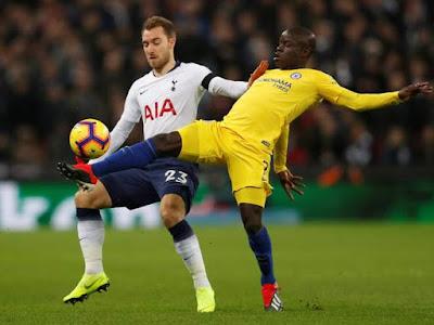 N'Golo Kante Terlihat Berebut Bola Ketika Melawan Spurs - Judisessions