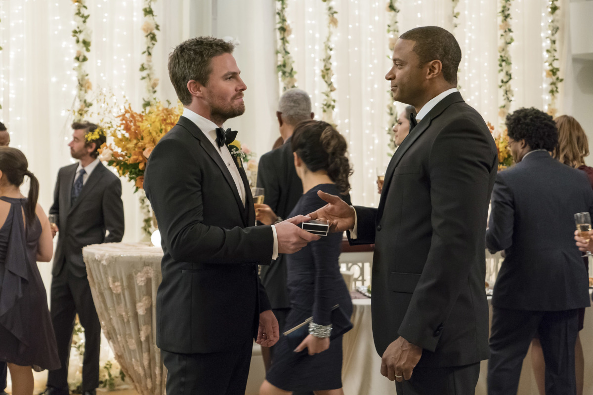 David Ramsey and Stephen Amell en Arrow