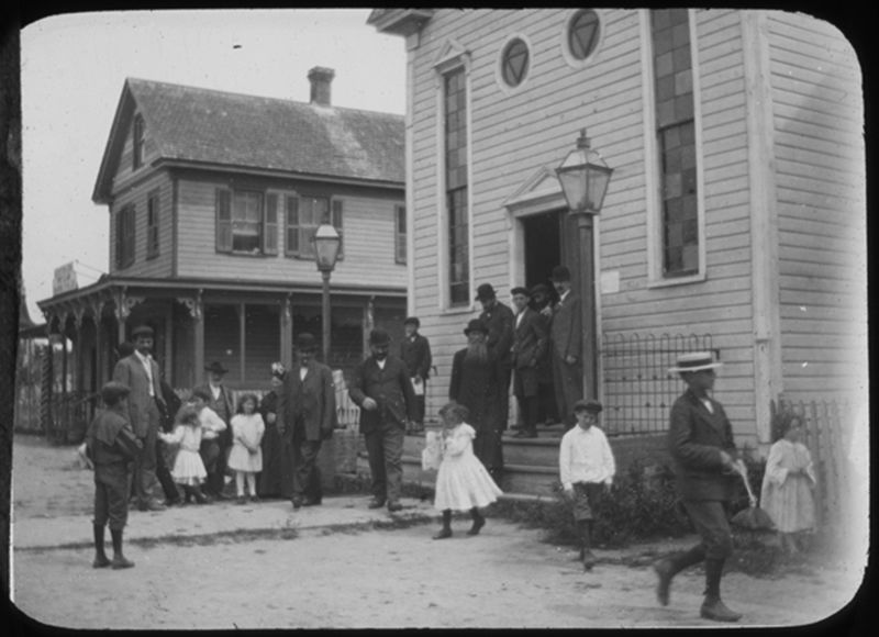 a history of the jewish american family History the forward is a legendary name in american journalism and a revered institution in american jewish life launched as a yiddish-language daily newspaper on april 22, 1897, the.