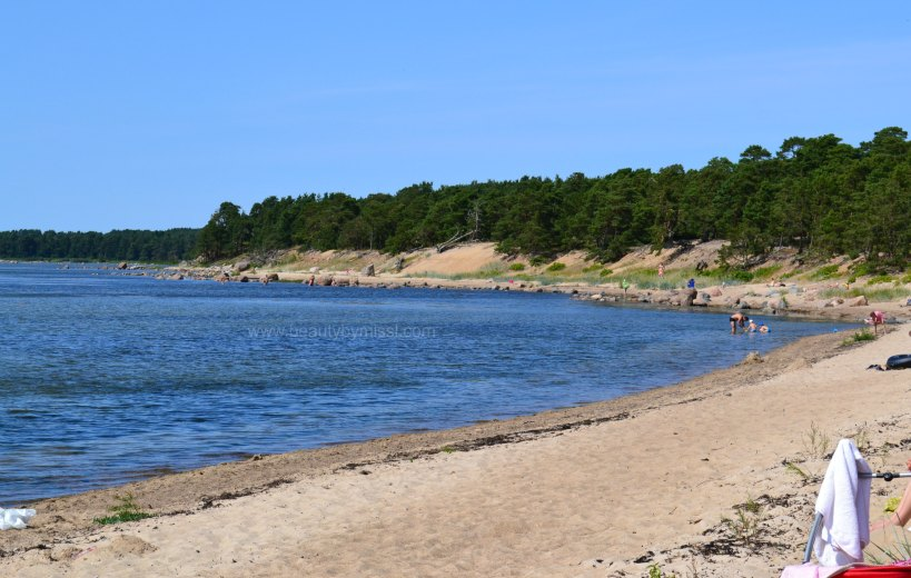 Laulasmaa beach, travelling
