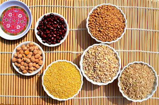 """<img src=""""alimentos-saludables-de-la-macrobiótica.jpg"""" alt=""""la dieta macrobiótica, contempla alimentos yin y alimentos yang, que deben equilibrarse"""">"""