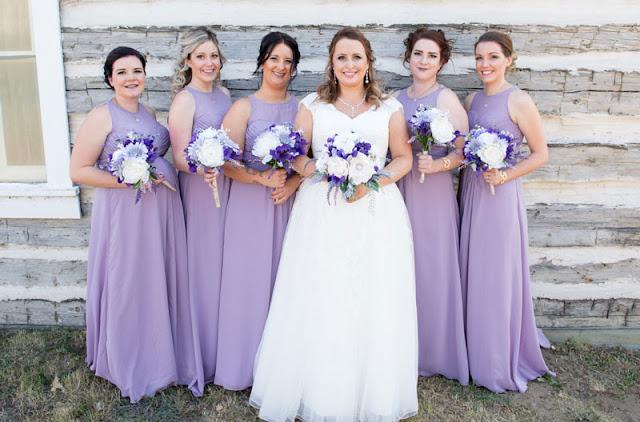 robe demoiselle d'honneur violette longue col scoop