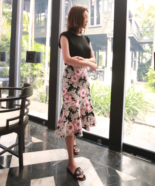 Flared Hem Floral Skirt