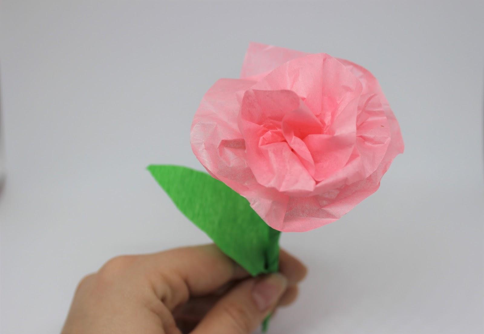farbenmaedchen rosen aus seidenpapier valentinsgeschenk. Black Bedroom Furniture Sets. Home Design Ideas