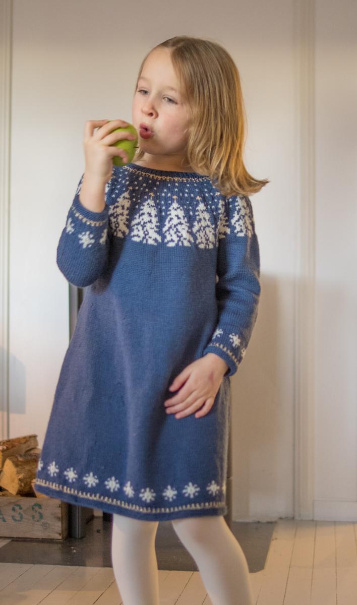 enkel strikket kjole til barn