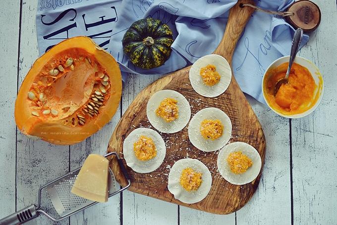 Ravioli z dyniowym farszem i sosem śmietanowo truflowym