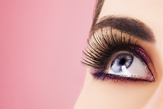 Natural Remedies for Sexy Long Eyelashes