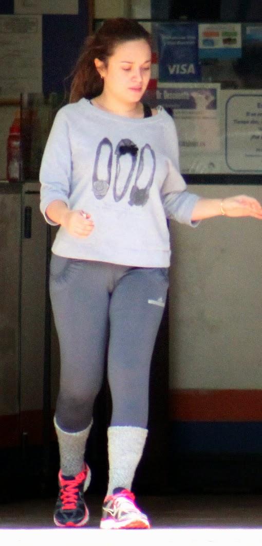 Nalgona en jeans y botas - 5 2