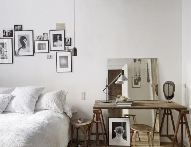 decorar mesa de trabajo con espejos y mascara de esgrima chicanddeco