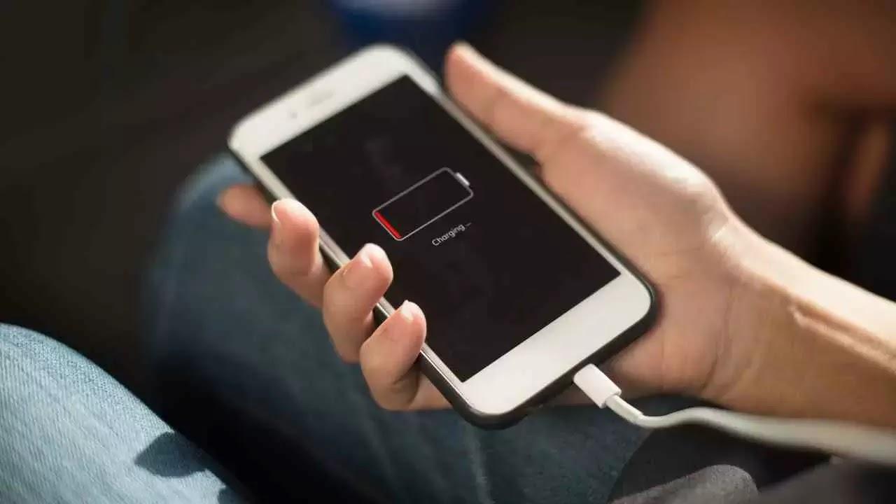 Tips dan kita berguna untuk mengecas baterai smartphone Anda agar baterai awet
