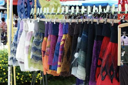 Tabungan untuk Pakaian dan Baju Mak