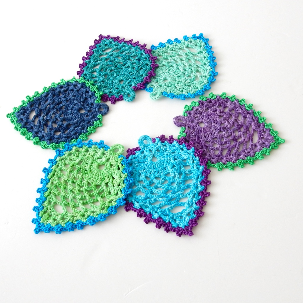 Peacock-Style Pineapple Coasters: Free Crochet Design