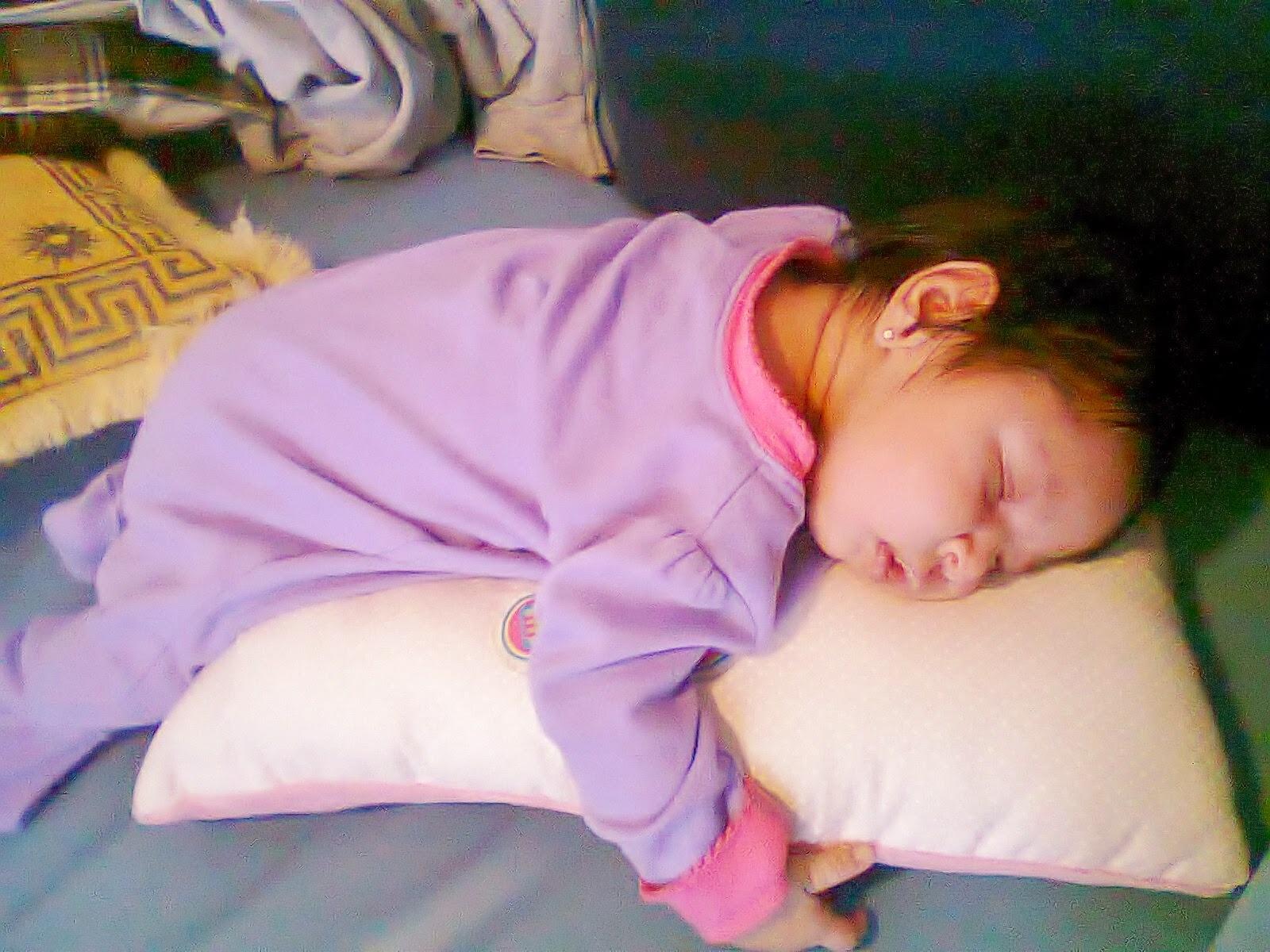 Jéssica-de-la-Portilla-Montaño-Héctor-Juárez-Lorencilla-bebé-todomepasa-método-Oompa-Loompa-para-dormir-bebés