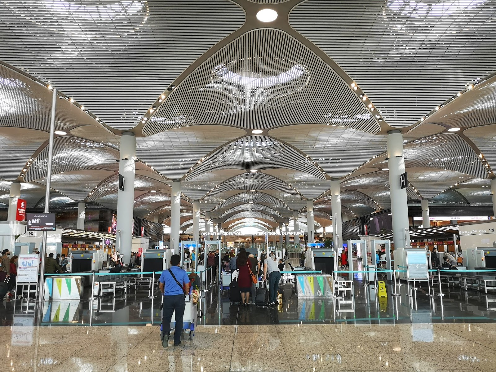 Lapangan Terbang IST - Istanbul, Turki