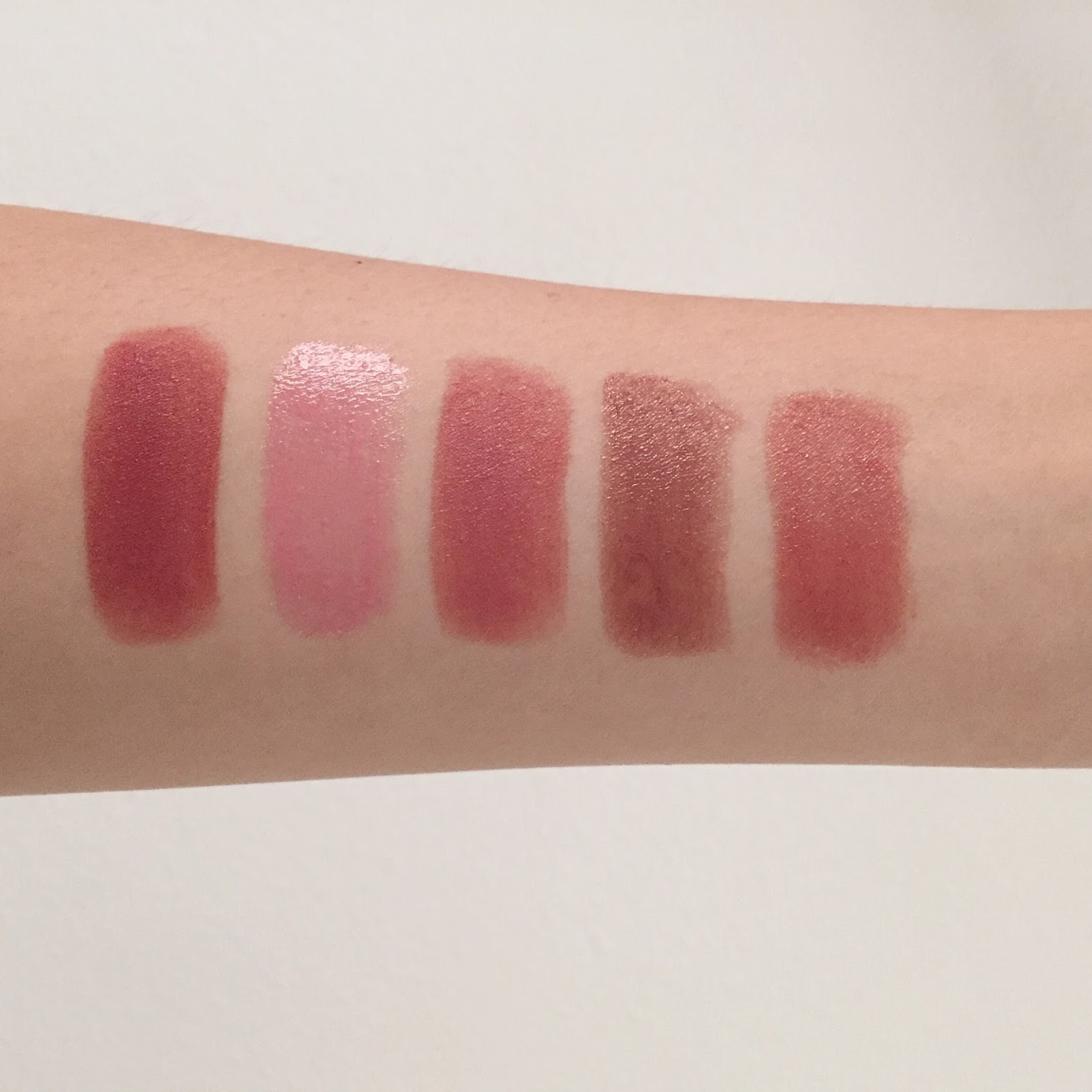 Silk Naturals Lipsticks: Canoodle, Chantilly, Garter, Jaybird, Roberta review swatches hellolindasau