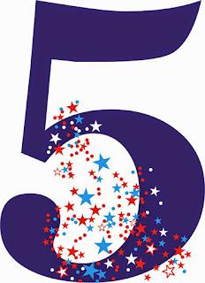 Ο αριθμός 5 σε χρώμα μωβ με μικρα αστερακια κοκκινα ,ασπρα,γαλαζια