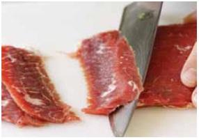 """¿Cómo cortar la carne adecuadamente? Cortar carne """"contra el grano"""""""