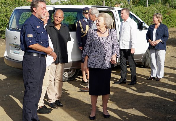 Princess Beatrix visited the Washington Slagbaai National Park. Princess Beatrix visited the Kolegio Strea Briante school