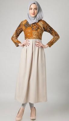 Contoh baju batik kerja elegan untuk muslimah
