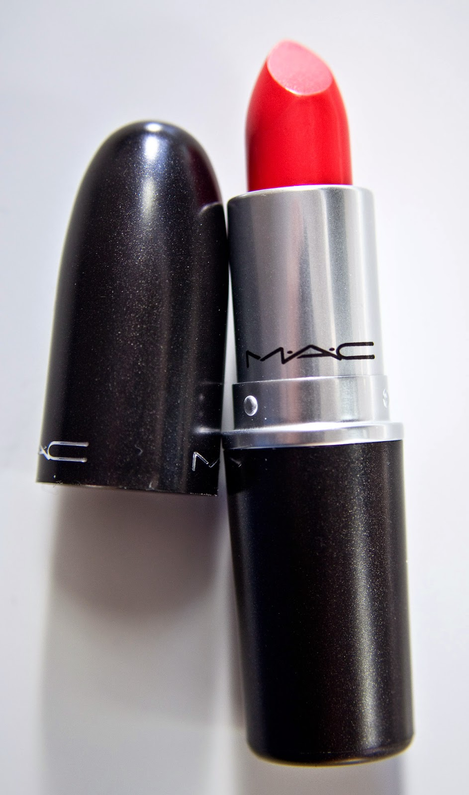Mac Red Lipstick: WARPAINT And Unicorns: MAC Red Red Red Collection Beauty
