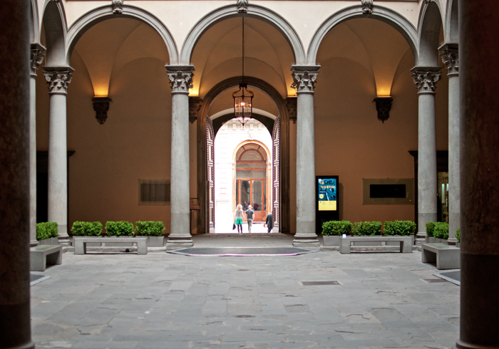 photo de la cour intérieure du palazzo Strozzi Florence