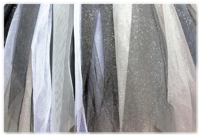 tulle noir, gris et blanc, avec ou sans paillettes