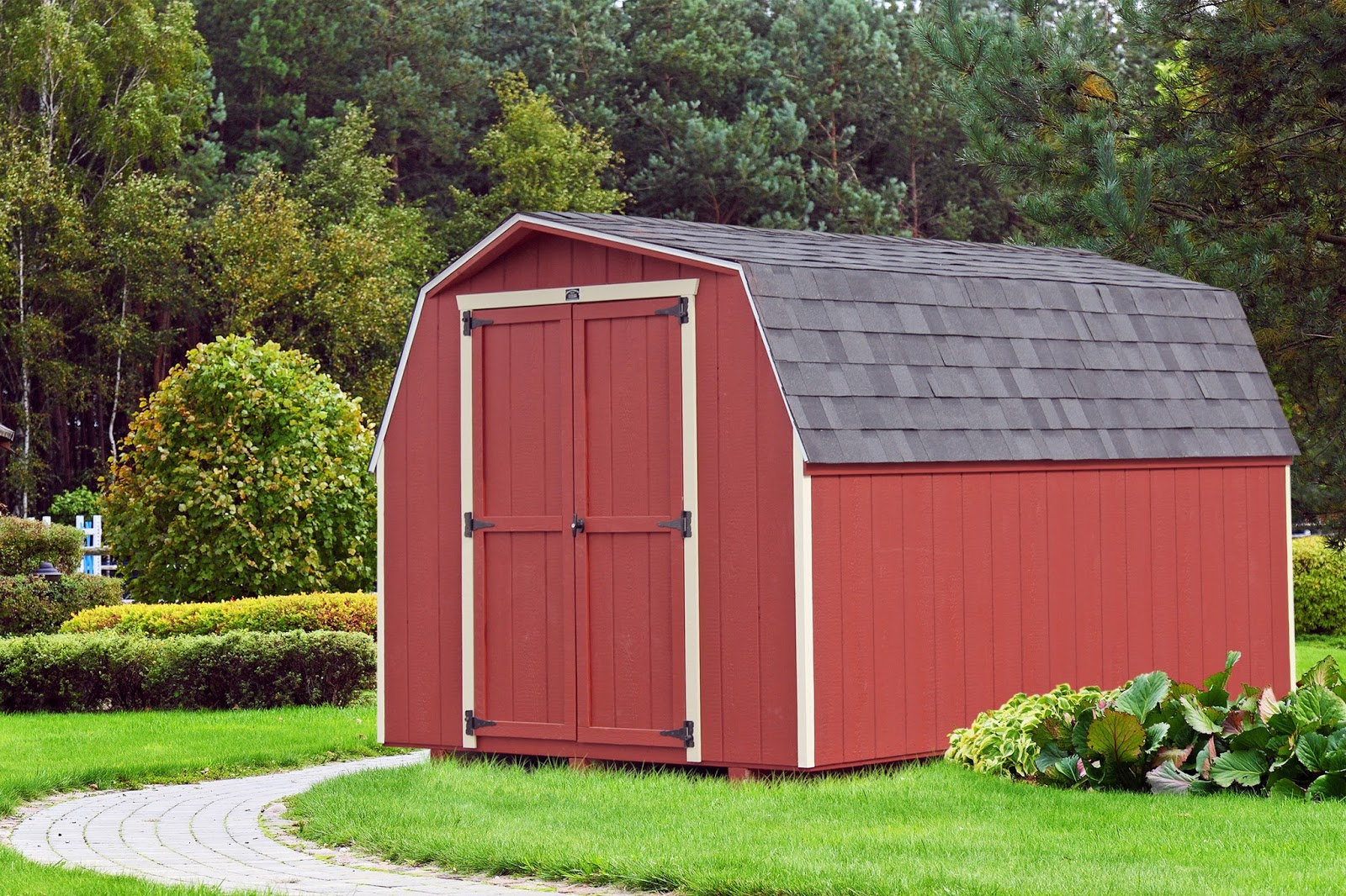 An 8x12 Traditional Storage Shed By The Amish