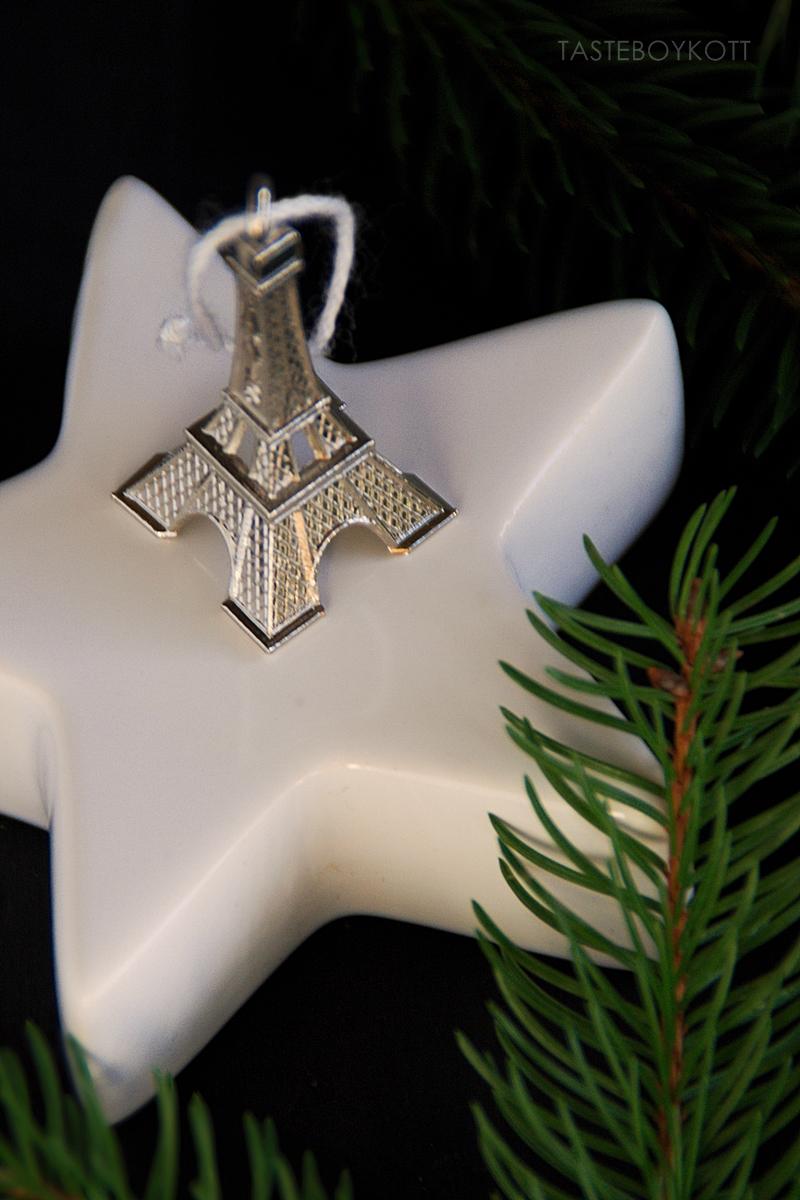Christmas tree decoration: DIY Eiffel Tower ornaments