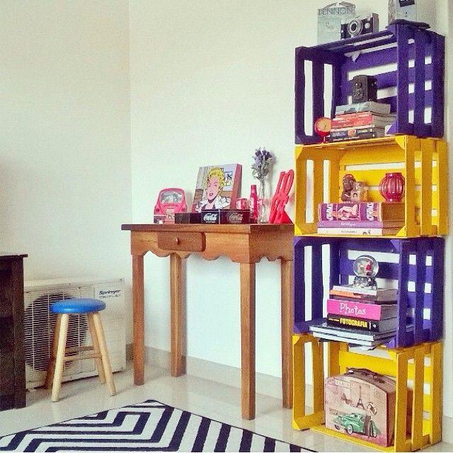 reutilizar caixotes de madeira estante