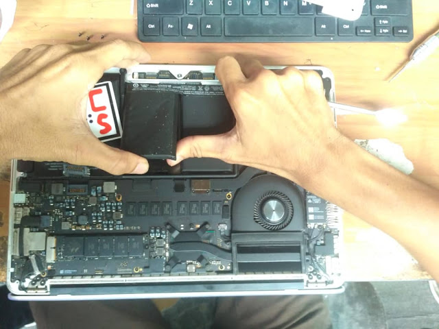 [SOLVED] SERVIS & TUKAR BATERI MACBOOK | KEDAI REPAIR MACBOOK 8
