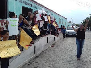Estudantes e professores de Baraúna vão às ruas Protestar Contra reforma da Previdência e retirada de Direitos