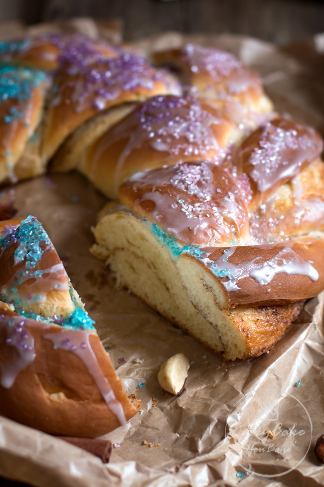 drożdżowe Ciasto Trzech Króli (Mardi Gras King Cake)