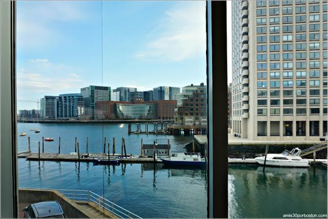 Vistas desde la Cafetería del Acuario de Boston