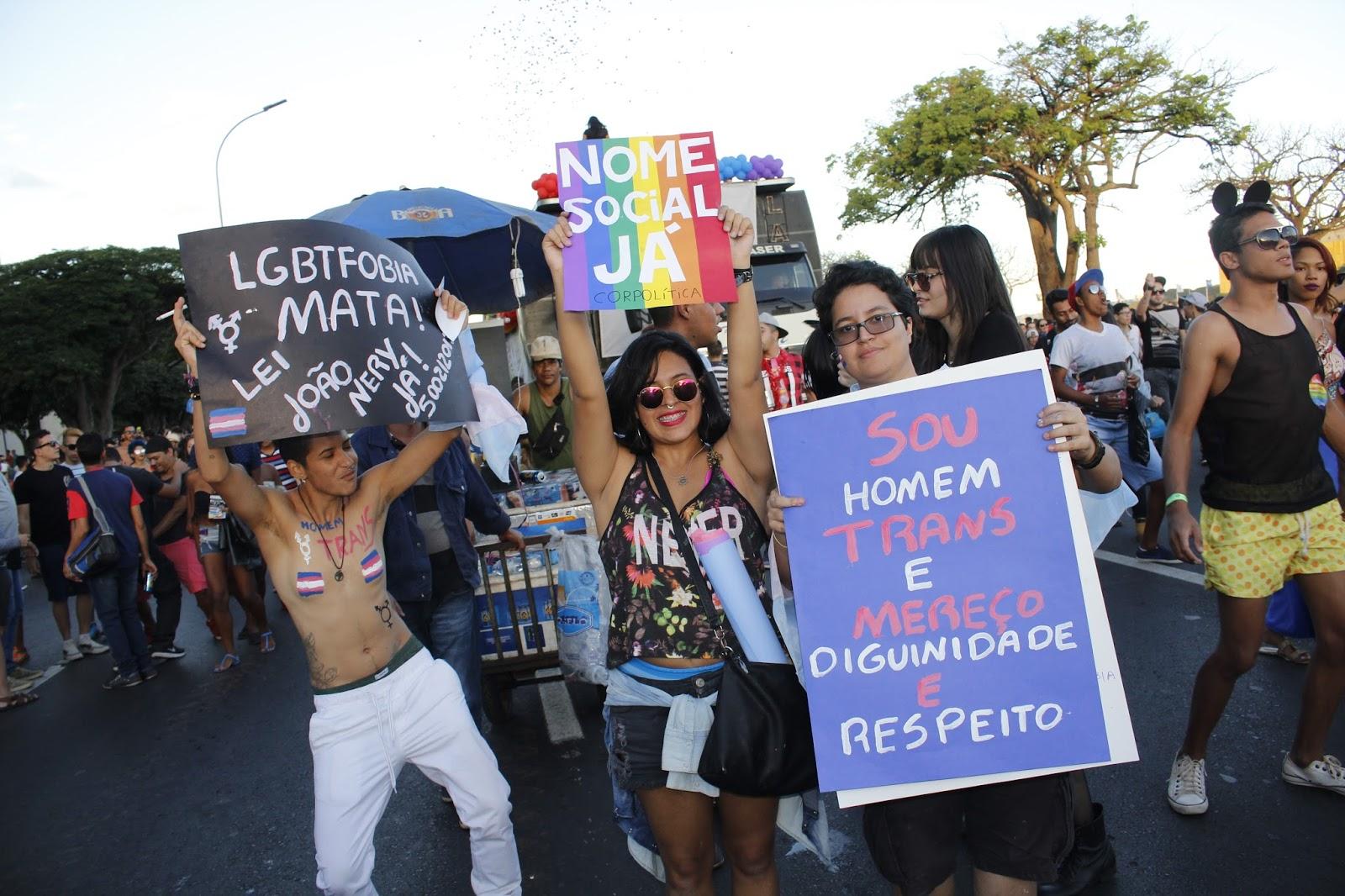 Travestis e transexuais são maioria entre LGBTs a denunciar crimes no DF, diz pesquisa