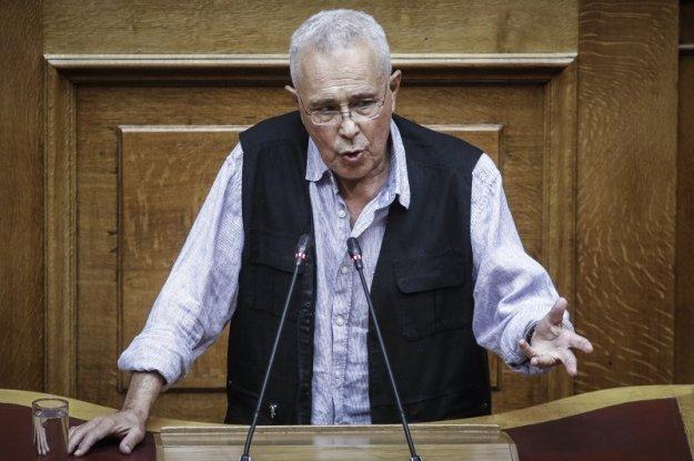 Ζουράρις: Η κυβέρνηση «σακατεύει τη Μακεδονία» αλλά τη στηρίζω