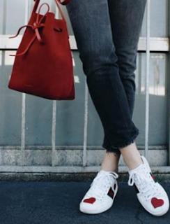 Menilik Penampilan Modis Wanita Masa Saat ini dengan Opsi Sepatu Sneakers untuk Wanita