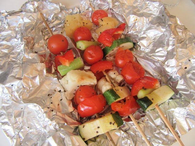 grillivartaat, kasvisvartaat, kesäkurpitsa, parsa