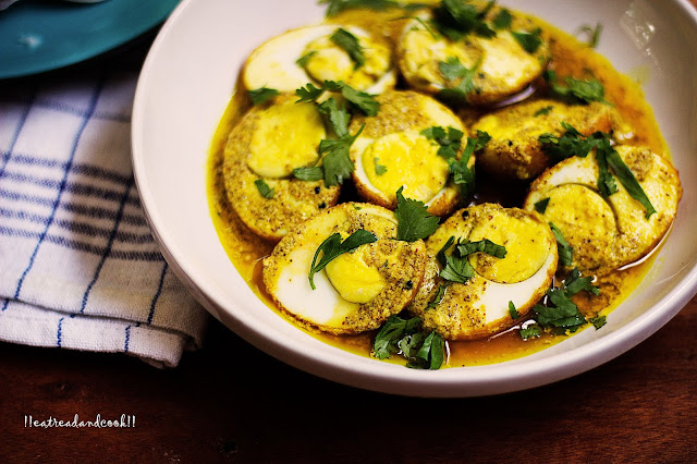 how to make dim sorshe / bengali egg curry in a silky mustard sauce recipe and preparation
