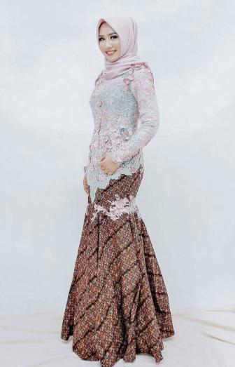 Model Kebaya Muslim Modern Bahan Brokat