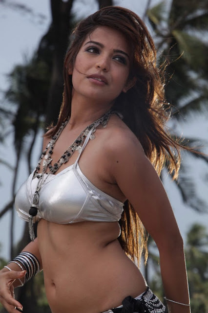 Adonica Telugu actress navel show